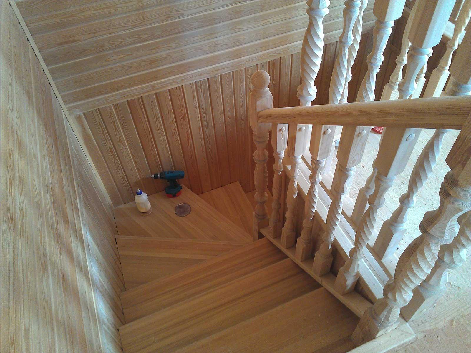 деревянные лестницы бани