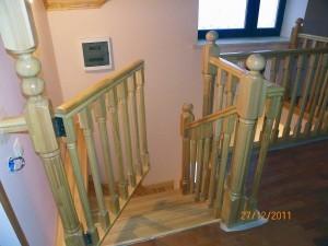 купить лестницу из лиственницы